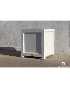Haussmann Outdoor Garden Planter in Aluminum – Available in a Variety of Sizes and Can be Customized